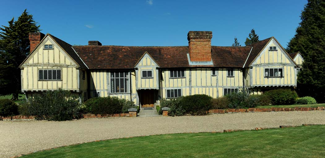 Cain Manor is a charming 16th century barn style country house which makes a wonderful picturesque Surrey wedding venue in Churt on the borders of Surrey and Hampshire